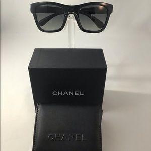 CHANEL New Authentic Dark Blue Foldable Sunglass